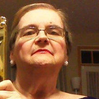 Dorothy, 64 from Carpentersville, IL