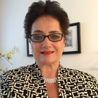 Laurie, 59 from Commerce Charter Twp, MI