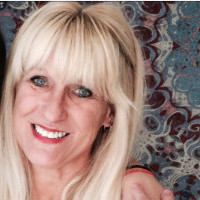 Beth, 55 from Petoskey, MI