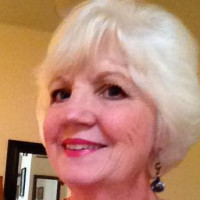 Geralyn, 63 from Naperville, IL