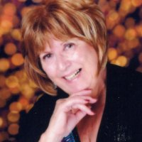 Patricia, 64 from Farmington, MN