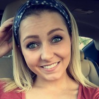 Ellen, 21 from Newton Falls, OH
