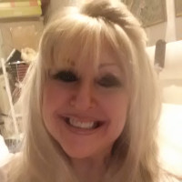 Linda, 65 from Carrollton, VA