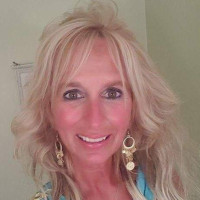 Lynda-1264262, 52 from North Kingstown, RI