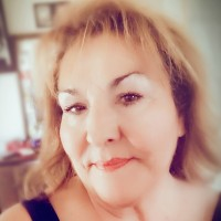 Stephanie, 60 from West Covina, CA