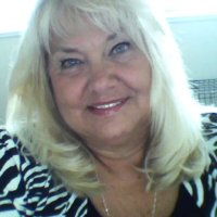 Linda, 59 from Holt, MI