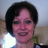 Linda, 58 from West Kingston, RI