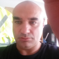Vojta, 39 from Auckland, NZ