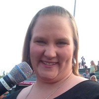 Kayla-1121196, 24 from Normal, IL