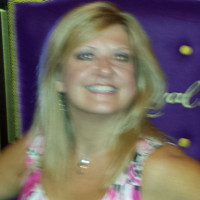 Debbie, 44 from Huntersville, NC