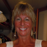 Debbie-1164058, 60 from Edmonton, AB, CAN