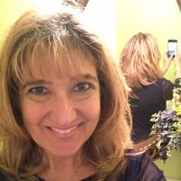 Laura, 46 from Woburn, MA