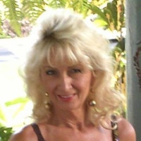 Julie, 53 from Hanalei, HI