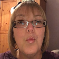 Toni, 53 from Macclesfield, GB