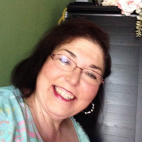 Theresa, 62 from Owensboro, KY