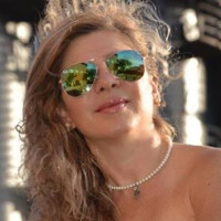 Julieta, 49 from North Vancouver, CA