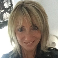 Amanda, 54 from Wilmslow, GB
