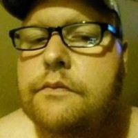 Andrew, 38 from Rockford, IL