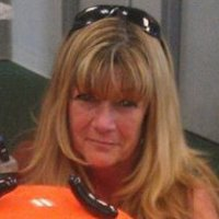 Kitty, 57 from Sumner, WA