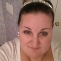 Katie, 40 from Pewaukee, WI