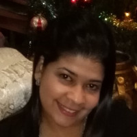 Denisse, 36 from San Pedro Sula, HN