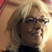 Linda, 68 from South Elgin, IL