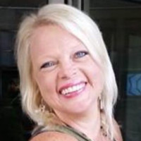 Robin, 43 from Tuscaloosa, AL