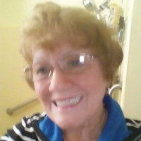 Suzie, 73 from Dearborn Heights, MI